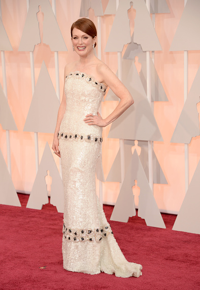 Oscars 2015: Julianne Moore In Chanel Couture