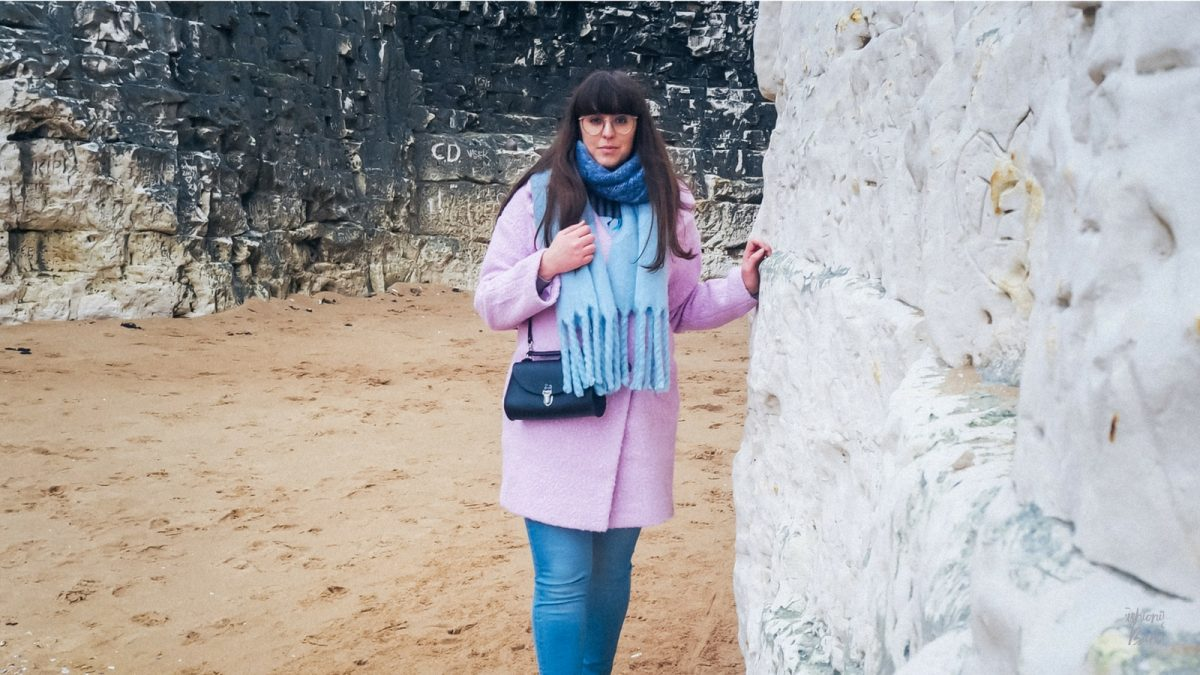 winter beach style, winter style, winter fashion, colourful winter style, misguided pink coat, pink coat, beach attire, pink and blue, fashionista barbie, uk fashion blogger, top uk blogger