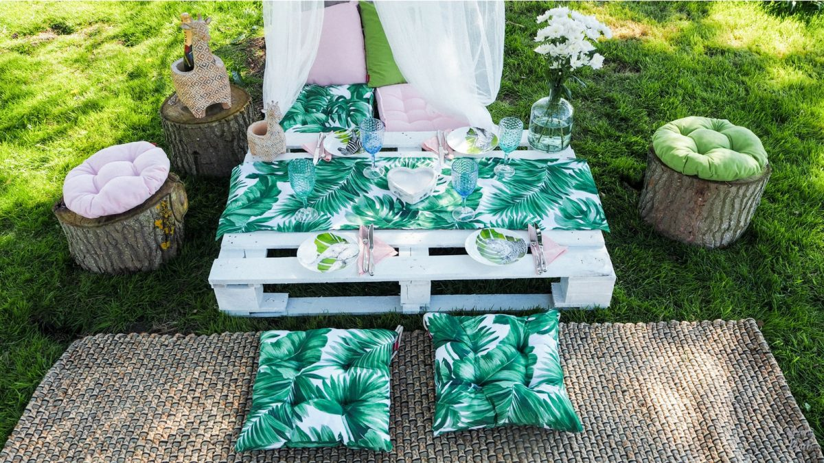 Styling A Pinterest-Worthy Picnic