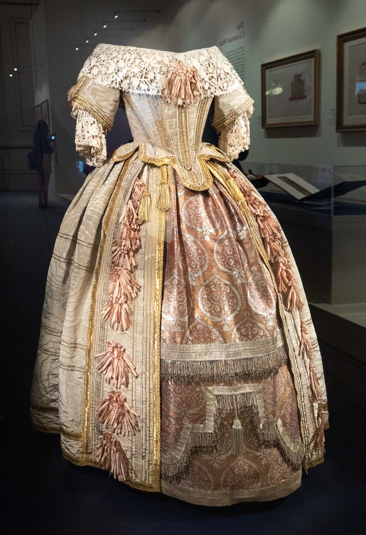Queen Victoria, Royal Dress, Royal Gown