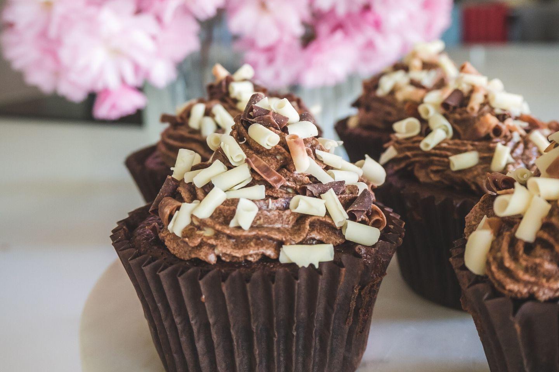 Easy Chocolate Cupcakes, Chocolate Cupcakes, Cupcakes, Recipe, Children's Baking, Chocolate Recipe